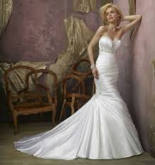 wedding dress online uk why not to buy a designer wedding dress confetti co uk