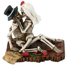Halloween Wedding Cake Toppers Amazon Com Love Never Dies Collectible Skeleton Sculpture Home