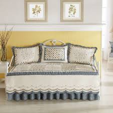 Bed Bath And Beyond Daybed Covers Bedroom Charming Daybed Cover For Your Daybed Covering Idea