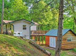 peaceful 3br hiawassee cabin w wraparound deck hiawassee north