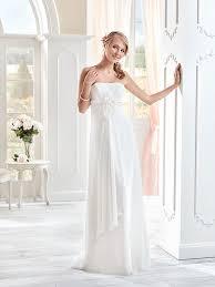 robe mariã e fluide robes de mariée fluide et simple idée mariage