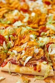 round table taco pizza easy taco pizza recipe show me the yummy