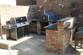 outdoor pizza oven and bbq design and ideas