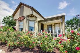 Texas Hill Country Bed And Breakfast Fredericksburg Bed And Breakfasts Cabin Rentals Vacasa