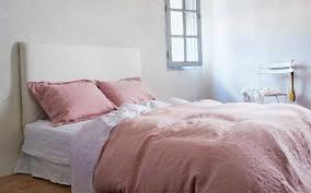 how to select luxury bed linen fabric for you bedroom decor