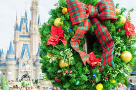 last few days to catch disney world s decorations