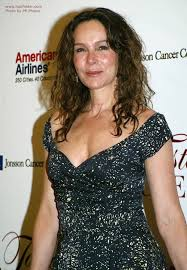 naturally curly gray hair jennifer grey long hairstyle that keeps the forehead free for