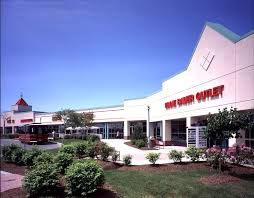 about waterloo premium outlets a shopping center in waterloo