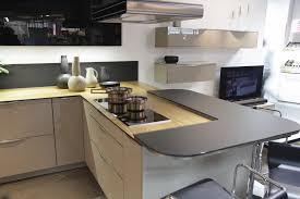 credence stratifié cuisine cuisine d cor aubergine moderne avec snack bar de david photo plan