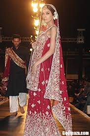 fashion designs stars karachi bridal couture week 2011