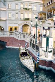 Venetian Las Vegas Map by How Fun Is The White Wedding Gondola For Elopements Cruising Down