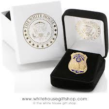 â white house lapel pin