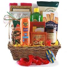 travel gift basket cheap and unique travel gift basket ideas some free infobarrel