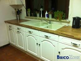 renover sa cuisine en chene comment peindre une cuisine en chêne rayonnage cantilever
