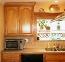 what color countertops with honey oak cabinets honey oak kitchens pictures of kitchens with honey oak cabinet and