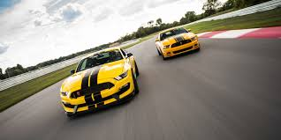 Mustang Boss Horsepower How Does The Shelby Mustang Gt350r Compare To The Boss 302
