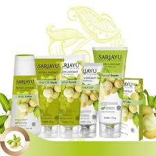 Pelembab Dan Foundation Sariayu gunakan sariayu putih langsat untuk kulit putih cerah alami