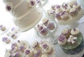 hochzeitstorte cupcakes hochzeitstorten cupcakes und cookies cotton und crumbs