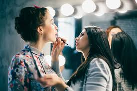 How To Be A Professional Makeup Artist How To Become A Professional Makeup Artist Makeup Ideas