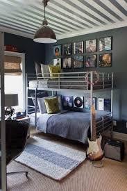 exemple deco chambre chic style idees coucher chambre deco brut armoire mur couleur pour