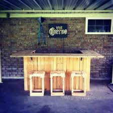 How To Make A Shed Out Of Wood Pallets by Best 25 Outside Bars Ideas On Pinterest Diy Outdoor Bar Pallet