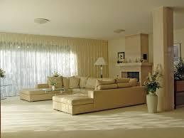 Wohnzimmer Einrichten 3d Kleines Wohnzimmer Einrichten Weißes Sofa Couchtisch Orange