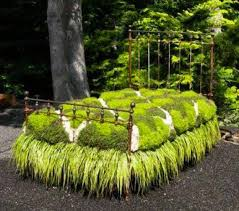 Recycling Ideas For The Garden Recycling Metal Bed Frames For Flower Beds 20 Creative And Eco