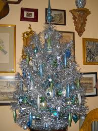 vintage aluminum christmas tree knickerbocker style design a aluminum christmas tree