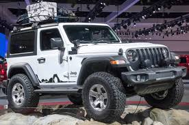mopar jeep logo mopar shows off modified jeep wranglers in l a motor trend
