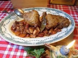 cuisiner une cuisse de dinde en cocotte recette simple cuisse de dinde en cocotte de la mère mitraille