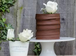 triple chocolate cake with white rose u2013 olison u0027s cupcakes
