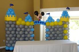 mickey mouse balloon arrangements party balloon decor 904 theme mickey mouse castle