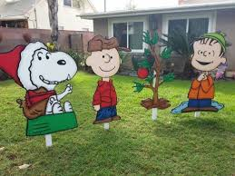Outdoor Christmas Decorations Charlie Brown by Impressive Peanuts Christmas Lawn Decorations Stunning Charlie