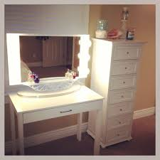 Diy Makeup Vanity Desk Dining Bedroom Lighted Canada Tables In Bench Dresser Also Lighted