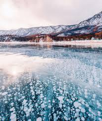 kristina makeeva de splendides photos du lac baikal sous la glace par kristina