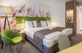 schlafzimmer teppichboden teppichbode schlafzimmer grau verzögert auf schlafzimmer mit