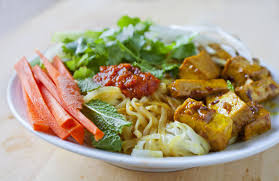 vietnamese rice noodle salad with curry lemongrass tofu the