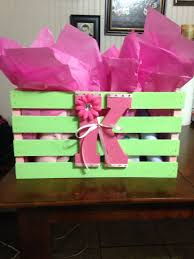 Gifts To Give At A Bridal Shower Best 25 Baby Shower Gift Basket Ideas On Pinterest Baby Gift