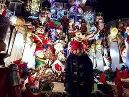 dyker heights holiday lights dyker heights christmas lights best lights in nyc family road