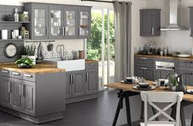 cuisine carrelage gris carreau blanc uni de dosseret mozaic carrelage gris armoire lîle