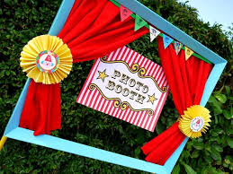 photo booth ideas 13 diy photo booth ideas for your kid s next party brit co