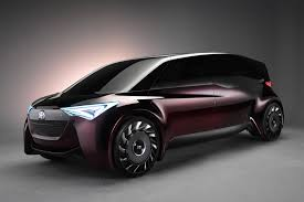 car range toyota targets 620 mile range with concept fuel cell vehicle
