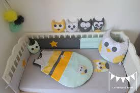 chambre bebe hiboux décoration chambre bébé hibou chouette jaune gris vert amande vert