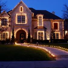 Best Christmas Decorations For Outside by Best 25 Exterior Christmas Lights Ideas On Pinterest Outdoor
