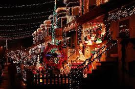 новогоднее украшение фасада как оформить фасад здания к новому