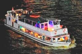 thames river boat hen party thames boat cruises london hen night thames