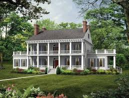 colonial style house plans best 25 plantation style houses ideas on plantation