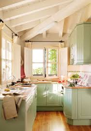 Kitchen Cupboard Designs For Small Kitchens Best 25 Small Cottage Kitchen Ideas On Pinterest Cozy Kitchen