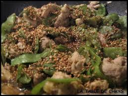 cuisiner pois gourmand sauté de porc aux pois gourmands la table de chrys