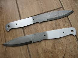 beautiful hand forged bushcraft knives blue mountain forge most of our knives are either genuine damascus steel or 01 carbon tools steel all are high carbon and are generally hardened to 57 59rc to ensure they